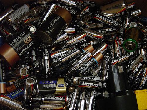 昔のモバイルバッテリーはこんな感じでした
