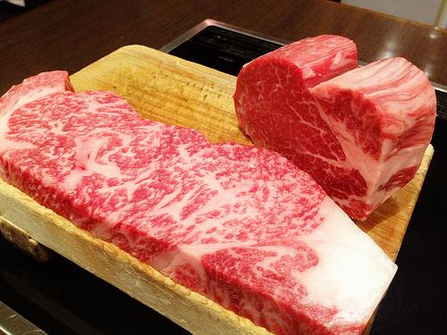 ふるさと納税では最高級の牛肉がもらえます